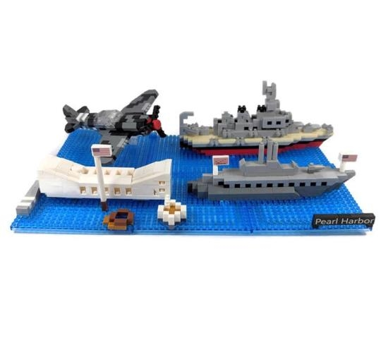 USS MISSOURI PEARL HARBOR SITES MINI BUILDING BLOCK SET